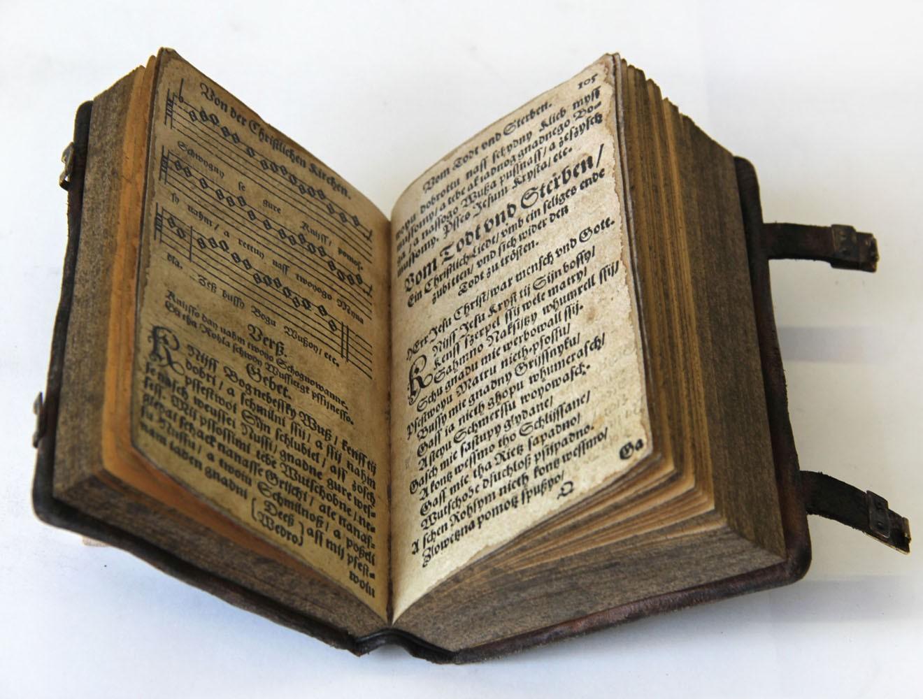 Replik_Sorbisches Gesangbuch_Innenseite