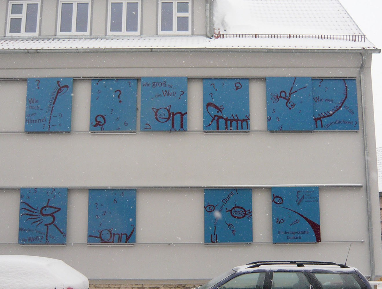 KITA Taubach // Fassade / Straße